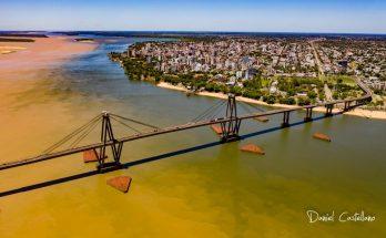 Curitiba-Atacama de carro, Corrientes ponte